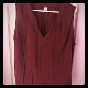 Old navy maroon blouse
